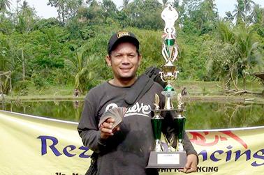 Juara Induk 1, Usin Saragih
