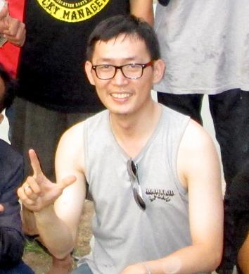 Denny (pengelola Himaraya)