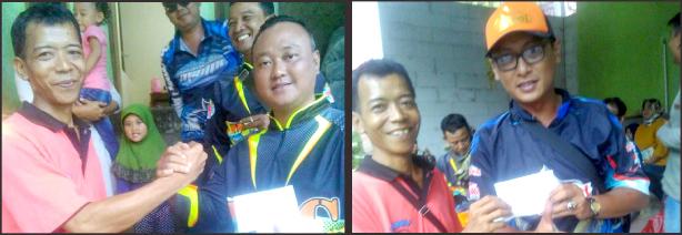 Aam (kiri) serahkan hadiah kepada juara induk